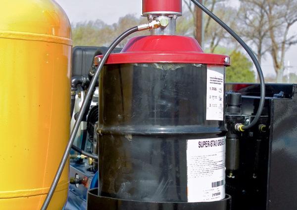 sage-oil-vac-grease-kits-600x423-1-2